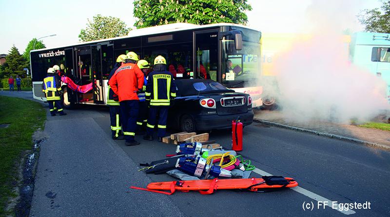 FF Eggstedt - Uebung Bus kracht in Tankwagen - 22-05-17_IMG_9839 online